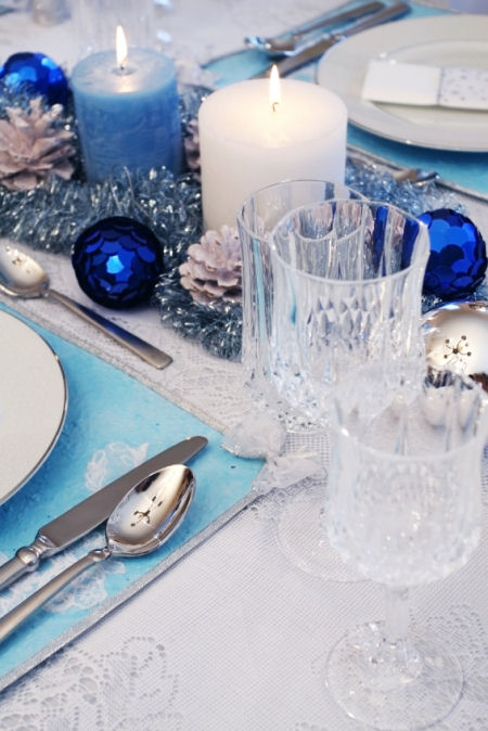 Fabulous Blue White Silver Christmas Table Decorations 450 x 674 · 77 kB · jpeg
