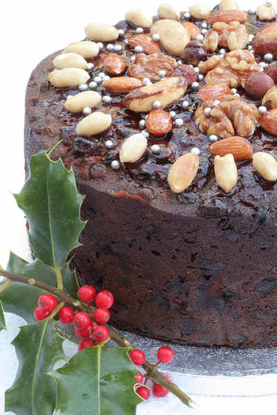 Christmas Cake Decoration Nuts : Traditional Christmas Cake Recipe