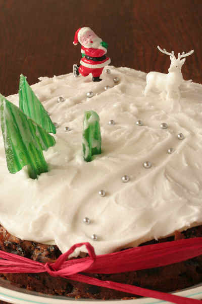 Christmas Cake Decorating Royal Icing