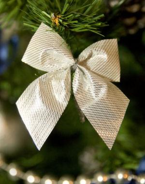 homemade christmas tree bows